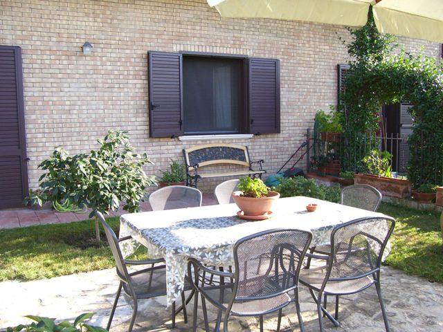 Appartamento di 82 mq con oltre 100 mq di spazio esterno for Giardino 100 mq